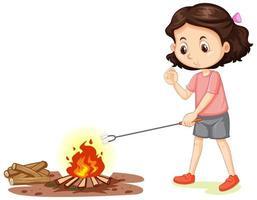 Mädchen, das Marshmallow auf Lagerfeuer auf weißem Hintergrund röstet vektor