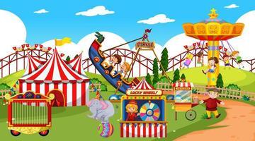temaparkplats med många åkattraktioner och glada barn vektor