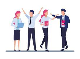 Mitarbeiter mit Büromaterial feiern
