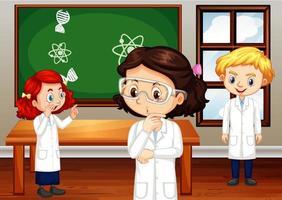 Studenten im Wissenschaftskleid stehen im Klassenzimmer
