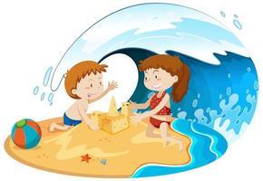 Kinder unter der Welle spielen am Strand
