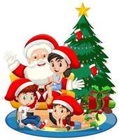 Weihnachtsmann, der auf einem Schoß mit vielen Kindern und Weihnachtsbaum auf weißem Hintergrund sitzt