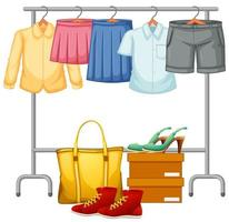 isolierte Kleidung auf dem Rack-Display