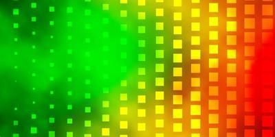 mörkgrön, gul bakgrund med rektanglar.