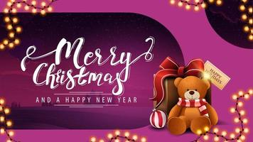 Postkarte mit Girlande und Geschenk mit Teddybär vektor