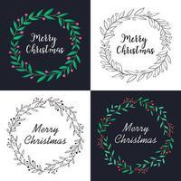 julkrans med blomdekoration och bokstäver