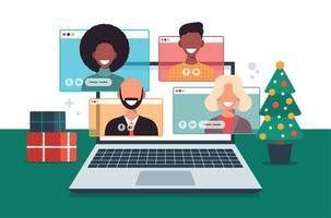 jul online hälsning. människor som möts online tillsammans med familj eller vänner videoklipp på laptop virtuell diskussion. god och säker jul kontor skrivbord arbetsplats, platt vektorillustration vektor