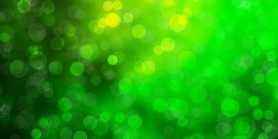 hellgrüne Vektorschablone mit Kreisen. vektor