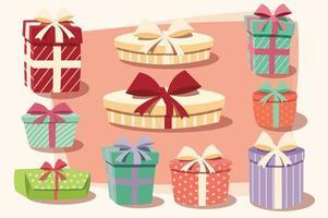 Sammlung bunter Geschenkboxen mit Schleifen und Bändern