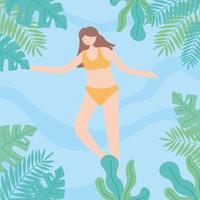 kvinna i bikini som simmar i poolen, lövverk lämnar ramen