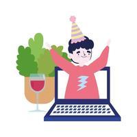 online-fest, träffa vänner, man på videobärbar dator som firar med ett glas vin