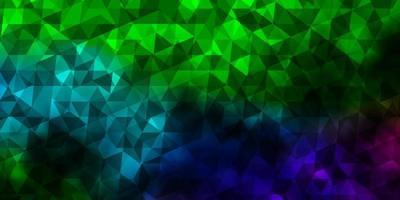 mörkt flerfärgat vektor mönster med månghörnigt stil.
