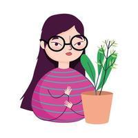 junge Frau mit Gläsern und Topfpflanzendekoration