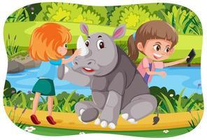 glückliche Kinder mit Tieren im Naturhintergrund