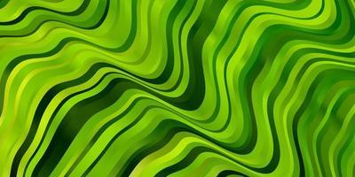 ljusgrön, gul vektorbakgrund med sneda linjer.