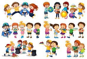 uppsättning av olika barn leker med sina leksaker seriefiguren isolerad på vit bakgrund