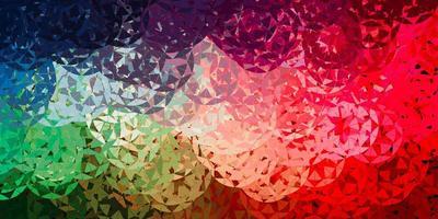 hellgrüner, roter Vektorhintergrund mit Dreiecken, Linien.