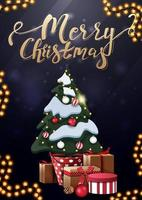 Frohe Weihnachten, vertikale blaue Postkarte mit Goldbeschriftung und Weihnachtsbaum in einem Topf mit Geschenken