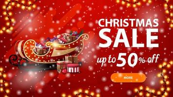 Weihnachtsverkauf, bis zu 50 Rabatt, rotes Rabattbanner mit Girlande, Schneefall und Weihnachtsschlitten mit Geschenken vektor