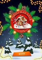 Weihnachtsverkauf, bis zu 50 Rabatt, vertikales Rabattbanner mit rotem Schild verzierte Weihnachtsbaumzweige, Winterlandschaft und Knopf vektor