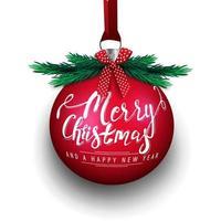 Frohe Weihnachten und ein frohes neues Jahr, große rote Weihnachtskugel mit Beschriftung, Weihnachtsbaumkleie und roter Schleife lokalisiert auf weißem Hintergrund