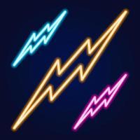 Blitz-Set Leuchtreklamen. Vektor-Design-Vorlage. Hochspannungs-Neonsymbol, bunter moderner Designtrend des Lichtbanner-Gestaltungselements, nächtliche helle Werbung, helles Zeichen. Vektorillustration vektor