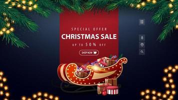 Sonderangebot, Weihnachtsverkauf, bis zu 50 Rabatt, blaues Rabattbanner mit roter Linie für Text, Girlande, Rahmen aus Weihnachtsbaumzweigen und Weihnachtsschlitten mit Geschenken vektor