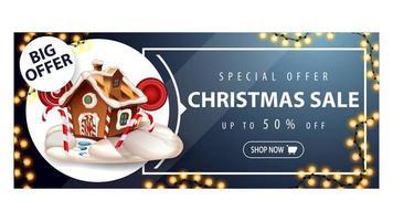 großes Angebot, Weihnachtsverkauf, bis zu 50 Rabatt, blaues Rabatt-Banner mit Girlande, Knopf und Weihnachts-Lebkuchenhaus vektor