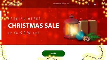 Sonderangebot, Weihnachtsverkauf, bis zu 50 Rabatt, rot-weißes Rabattbanner für Website mit polygonaler Textur, Girlande, grünem Knopf und antiker Lampe mit Geschenk vektor