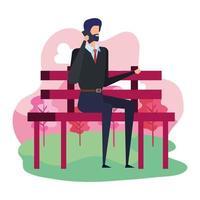 eleganter Geschäftsmann, der mit Smartphone anruft, das im Parkstuhl sitzt