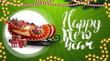 Frohes neues Jahr, grüne horizontale Grußkarte mit schöner Beschriftung, Girlanden, Weihnachtsbaumzweigen und Weihnachtsschlitten mit Geschenken