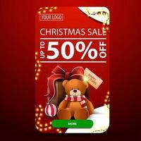 Weihnachtsverkauf, bis zu 50 Rabatt, vertikales rotes Banner mit abgerundeten Ecken, Girlande, Knopf und Geschenk mit Teddybär vektor