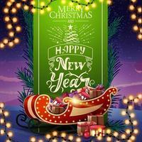 Frohes neues Jahr, Grußkarte mit schöner Beschriftung, grünem vertikalem Band verzierten Weihnachtsbaumzweigen und Weihnachtsschlitten mit Geschenken