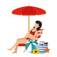 schöne Frau mit Badeanzug sitzt im Strandkorb und in der Tasche vektor