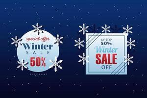 två stora vinterförsäljningsbokstäver med snöflingor vektor