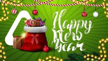 Frohes neues Jahr, grüne horizontale Postkarte für Website mit Weihnachtsdekor und Weihnachtsmann-Tasche mit Geschenken