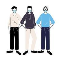 junge Männer mit medizinischen Masken, die auf weißem Hintergrund stehen