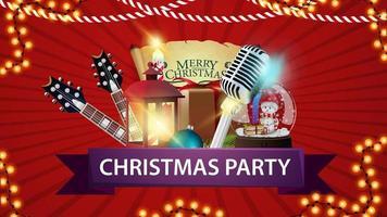 Weihnachtsfeier, rotes horizontales Plakat mit Gitarren, Mikrofon, Geschenk, antike Lampe, Weihnachtsbaumzweig, Kegel, Weihnachtskugel vektor