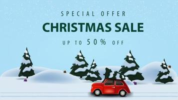 specialerbjudande, julförsäljning, upp till 50 rabatt, horisontell rabatt webbbanner med vacker vektorillustration med tallskog och röd veteranbil som bär julgran