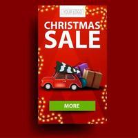 julförsäljning, vertikal modern rabattkupong med grön knapp, plats för din logotyp och röd veteranbil som bär julgran