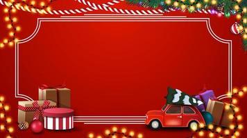 rote Weihnachtsschablone mit Geschenken, Weinleserahmen, Girlande und frohes neues Jahr, rote Postkarte mit Girlande, Weihnachtsbaumzweigen und rotem Oldtimer, der Weihnachtsbaum trägt