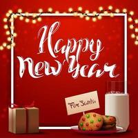 Frohes neues Jahr, rote quadratische Postkarte für Ihre Kreativität mit Girlande, weißem Rahmen, Geschenk und Keksen mit einem Glas Milch für den Weihnachtsmann
