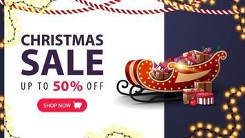 julförsäljning, upp till 50 rabatt, vit och blå rabattbanner med jultomten med presenter, kransar och erbjudande med knapp vektor