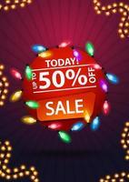 Heute Verkauf, bis zu 50 Rabatt, rundes rotes Banner mit bunter Girlande vektor