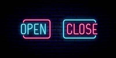 öppna och stäng neon inskrift på tegelvägg bakgrund. vektor