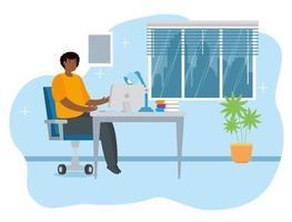 Afro-Mann, der von zu Hause im Wohnzimmer arbeitet