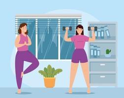 Frauen, die im Haus Gewichte heben