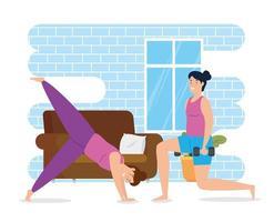 Frauen, die in der Hausszene trainieren
