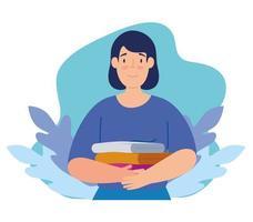 Frau mit Kleiderstapel für wohltätige Zwecke und Spenden