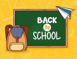 tillbaka till skolans banner med svarta tavlan och skolväskan vektor